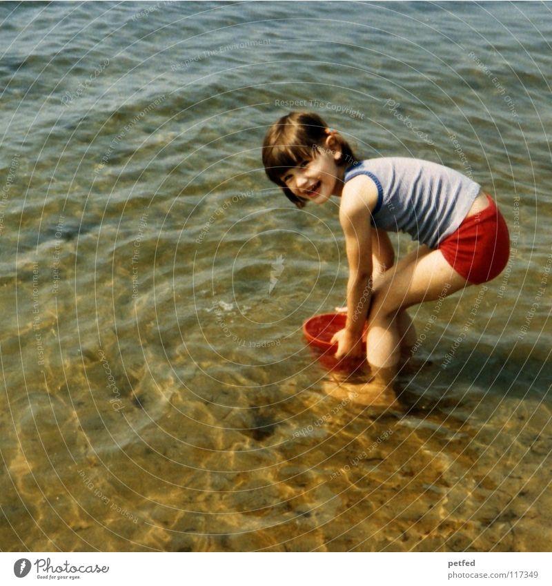 Urlaub in den 70zigern Mensch Kind Wasser Mädchen Meer Freude Strand Ferien & Urlaub & Reisen Leben Erholung Spielen Stein Wind Insel Sammlung
