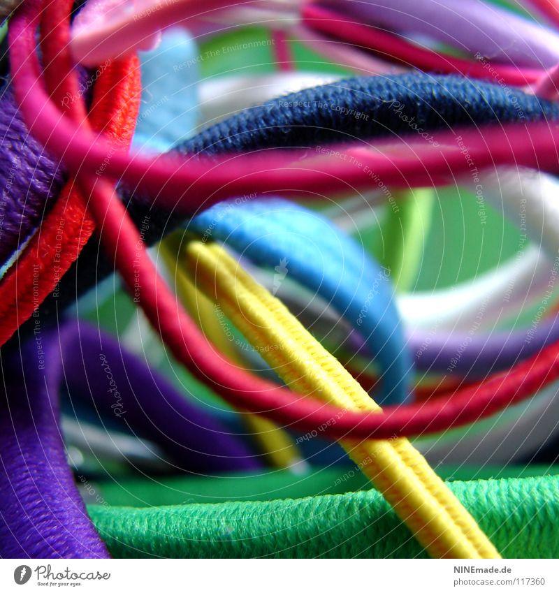 bunte Gummis ... II Zusammensein Zusammenhalt Halt binden rund elastisch mehrfarbig rot violett grün weiß rosa blau hell-blau dunkelgrün hellgrün giftgrün gelb