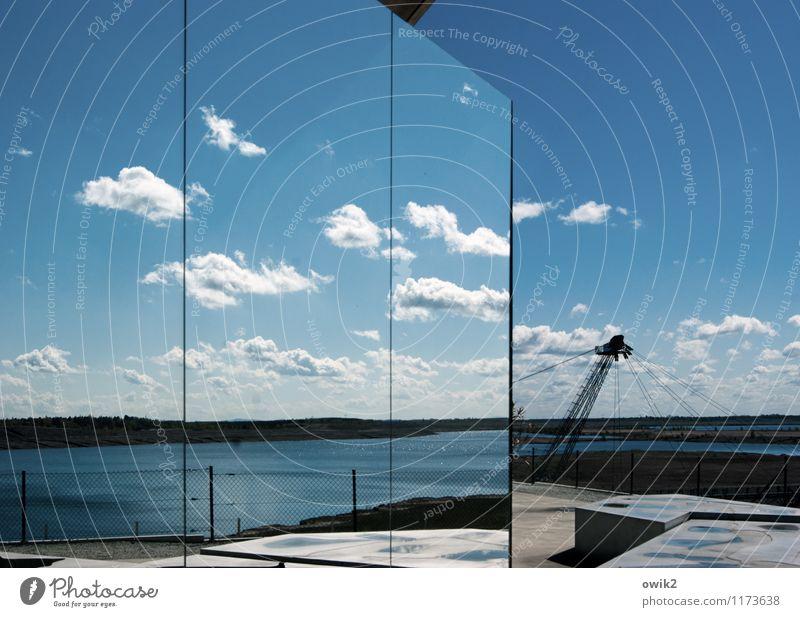 Am Baggersee Ferne Freiheit Umwelt Natur Landschaft Wasser Himmel Wolken Horizont Klima Wetter Schönes Wetter Seeufer Großräschener See Bauwerk groß