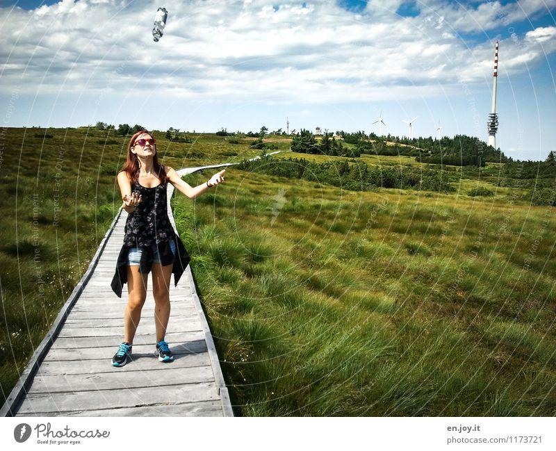 alles Gute kommt... Mensch Frau Himmel Kind Natur Ferien & Urlaub & Reisen Jugendliche Sommer Junge Frau Landschaft Wolken 18-30 Jahre Erwachsene Leben Gras