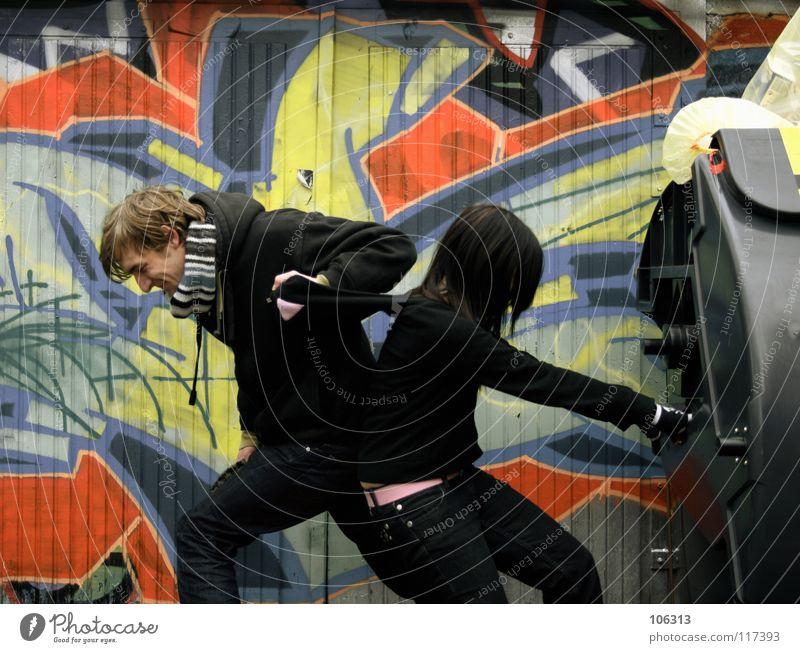 BLACK GARBAGE KNIGHTS [KOFA08DD] Mensch Frau Mann Stadt Farbe rot schwarz kalt Umwelt Wand Graffiti Bewegung feminin Paar Zusammensein Arbeit & Erwerbstätigkeit