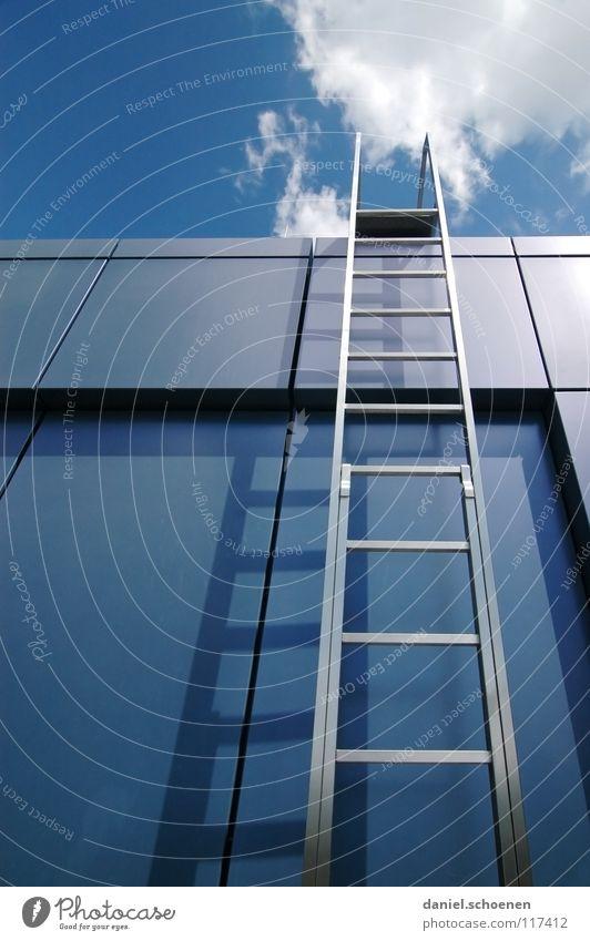 Karriereleiter 2008 Himmel weiß Sonne blau Sommer Wolken Metall Wetter Industrie Treppe Dach Leiter Karriere aufsteigen
