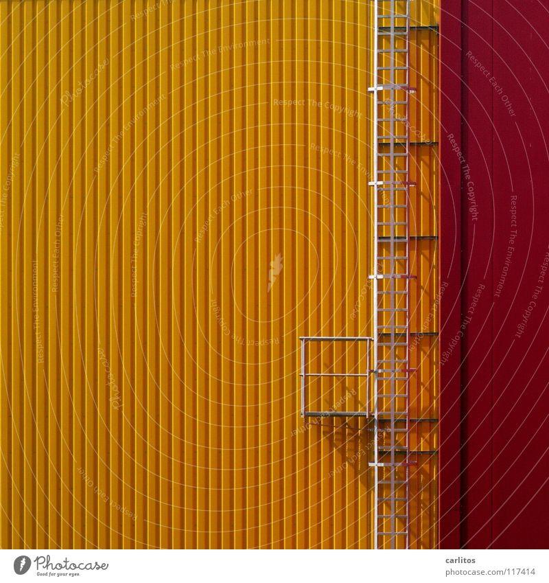 Fortsetzung der Karriereleiter rot gelb Architektur Glück Arbeit & Erwerbstätigkeit Erfolg Studium Flüssigkeit Leiter Lagerhalle aufsteigen Rettung