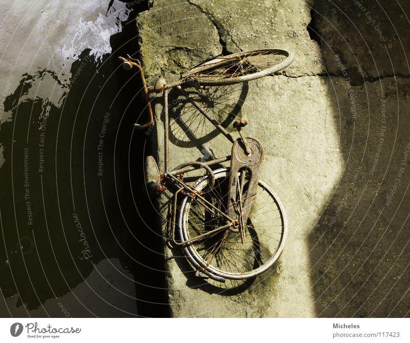 Italien Wasser Fahrrad Freizeit & Hobby Fluss Schrott Fahrradausstattung