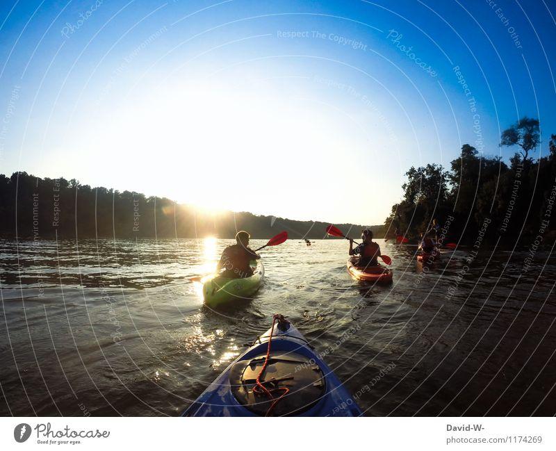 Kanutour mit Freunden Mensch Jugendliche Sommer Wasser Sonne Freude Erwachsene Leben Sport Freiheit Familie & Verwandtschaft Stimmung Menschengruppe