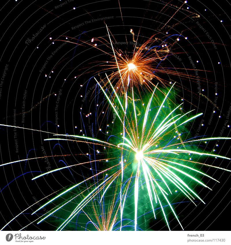 gut gerutscht Himmel blau grün rot Freude dunkel gelb Feste & Feiern Linie hell orange leer Eisenbahn Brand Feuer Rauch