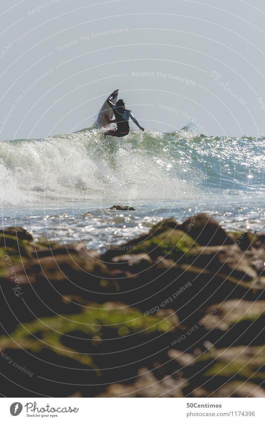 Riding a wave Mensch Natur Ferien & Urlaub & Reisen Sommer Sonne Meer Ferne Strand Bewegung feminin Küste Stil Sport Freiheit Lifestyle maskulin