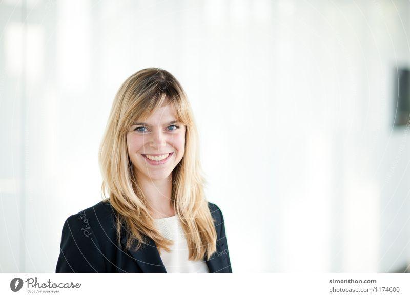 Business Portrait Mensch Freude feminin sprechen Stil Glück Lifestyle Freundschaft Zufriedenheit Büro elegant Erfolg Energie Beginn Studium