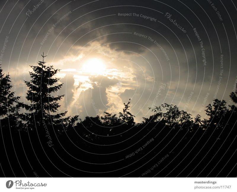 shapshot01 Winterstimmung dunkle Wolken Himmel Sonne überblendung