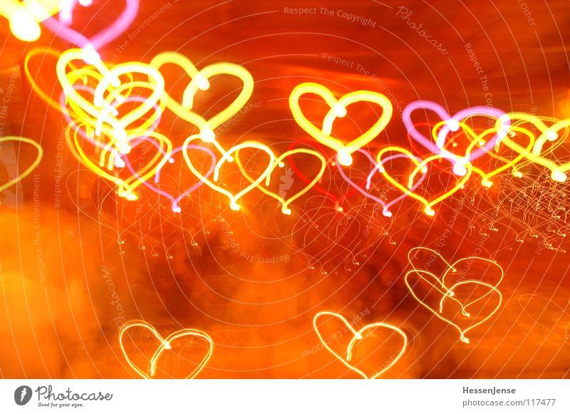 Lichteffekte 1 Zuneigung rot Freude Liebe Langzeitbelichtung Herz Farbe Unschärfe Gefühle Bewegung