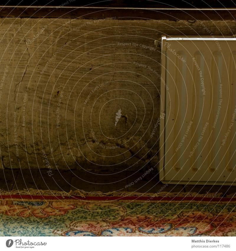 Heizung alt schön Farbe Fenster Wand Wärme Holz fliegen Wohnung Häusliches Leben dreckig groß retro Bodenbelag Macht historisch