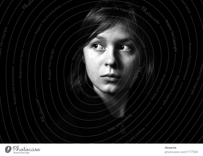LT in FR Schwarzweißfoto bw woman Lithuanian France eyes serious thoughtful face