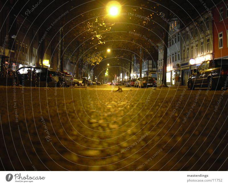 Gö-the-Allee Nacht dunkel Göttingen Teer leer ruhig Verkehr gelbes Licht Goethe-Allee Straße