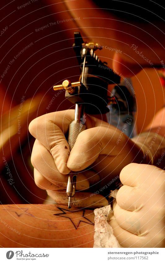sterne. I Tattoo Arbeit & Erwerbstätigkeit Tattoostudio Dienstleistungsgewerbe Stern (Symbol) Haut tattoomaschine