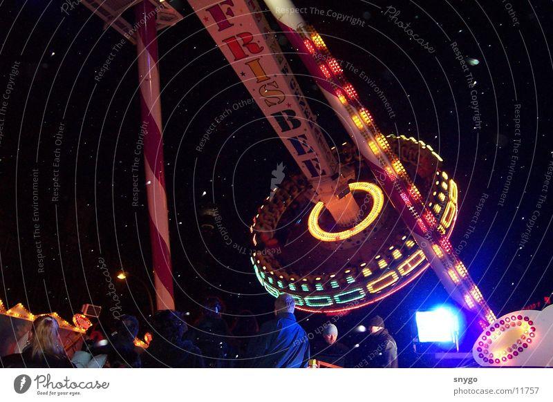 rummel Jahrmarkt Drehscheibe Geschwindigkeit Frisbee Panik Nacht Elektrisches Gerät Technik & Technologie Angst Freude