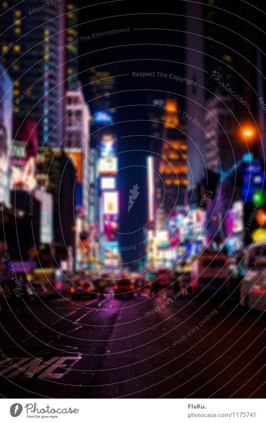 Times Square bei Nacht Lifestyle Reichtum Ferien & Urlaub & Reisen Tourismus Ferne Sightseeing Städtereise New York City Stadt Stadtzentrum Fußgängerzone