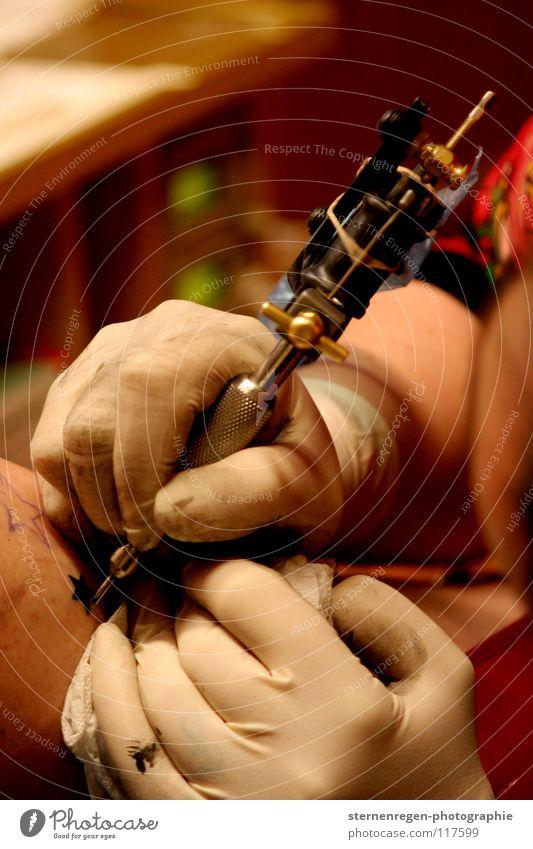 sterne. II Arbeit & Erwerbstätigkeit Haut Stern (Symbol) Dienstleistungsgewerbe Tattoo Tattoostudio