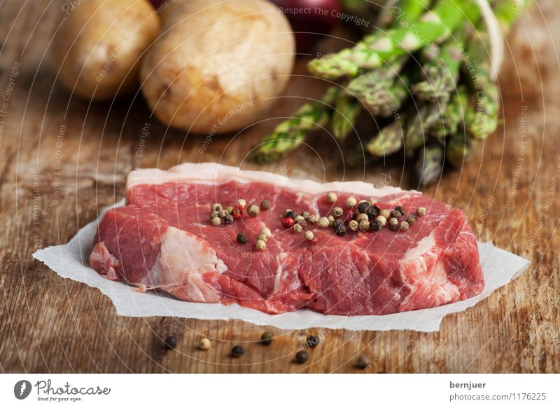 Abendesssenbastelset Lebensmittel Fleisch Gemüse Ernährung Bioprodukte frisch Gesundheit Billig gut braun grün rot Ehrlichkeit authentisch Steak Rindersteak