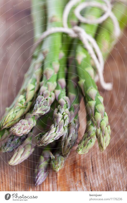 Grünzeux Frühling Holz Gesundheit Lebensmittel frisch authentisch Ernährung Schnur Gemüse gut Bioprodukte Vegetarische Ernährung rustikal roh Bündel Billig