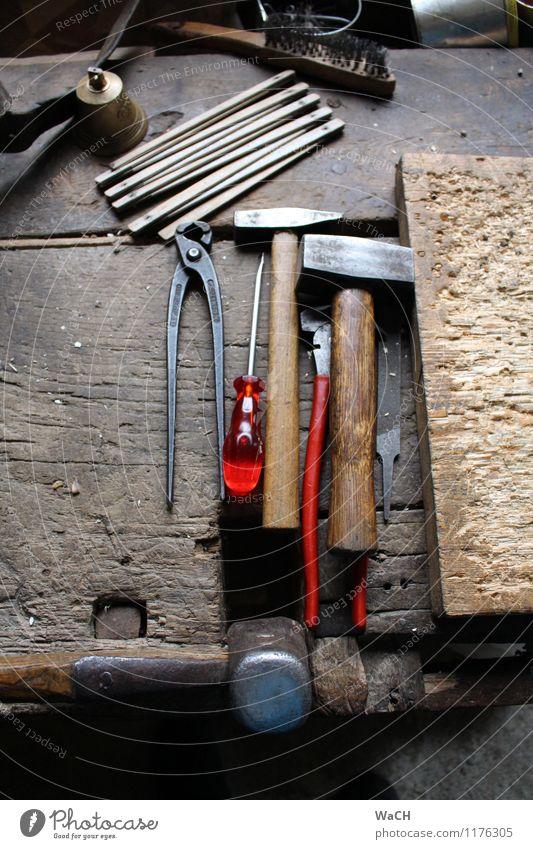 Heimwerker Freizeit & Hobby Basteln heimwerken Hausbau Renovieren einrichten Handwerker Baustelle Werkzeug Hammer Bürste Messinstrument Holz