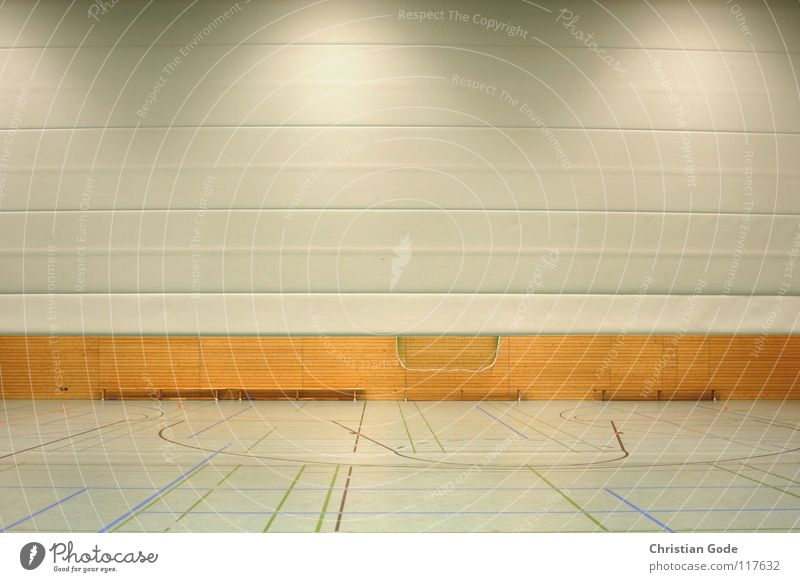 Dreifachhalle Breitbild Sporthalle Wand automatisch Holzwand Bank Turnen Leichtathletik Sportveranstaltung Korb Konstruktion Licht Lampe Architektur