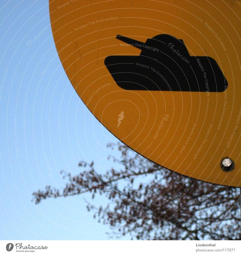 A-RMOR+E gelb Schilder & Markierungen Frieden Hinweisschild Krieg Wegweiser gepanzert