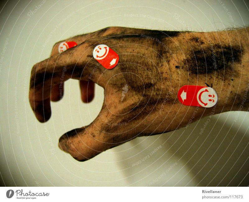 der schein trügt. :D Hand dreckig Finger Wut grinsen Ärger beißen