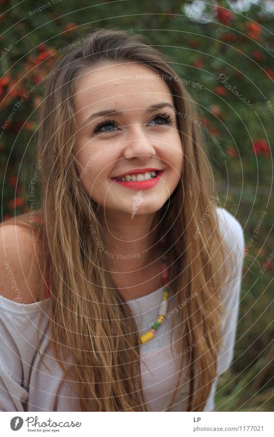 Jugendliche schön Junge Frau ruhig Freude Gesicht Gefühle feminin lustig Stil Glück Haare & Frisuren Kopf hell frisch Erfolg