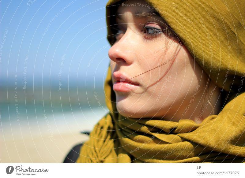 Mensch Jugendliche blau schön grün Junge Frau Erholung ruhig Freude Gesicht Leben feminin Stil Haare & Frisuren Mode Lifestyle