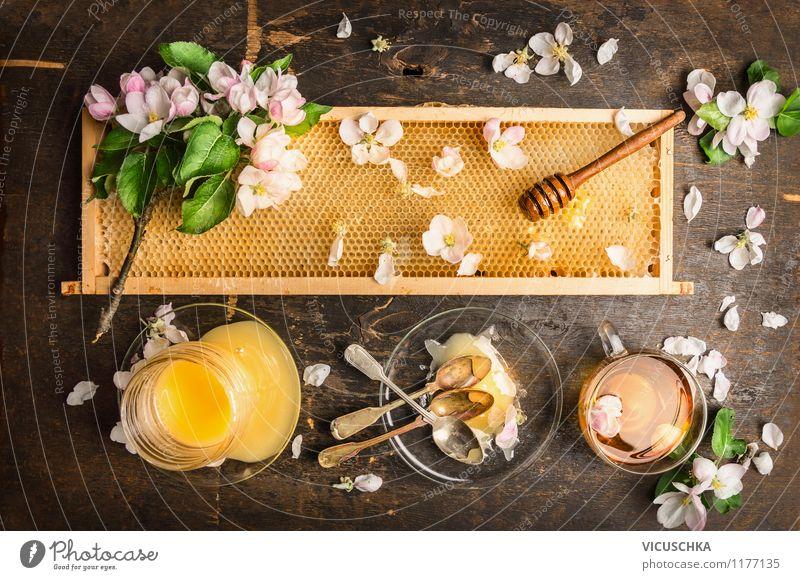 Frühlingshonig ernten und Tee trinken. Natur gelb Blüte Stil Lebensmittel Design Glas Ernährung Getränk Süßwaren Bioprodukte Frühstück Geschirr Tasse Teller