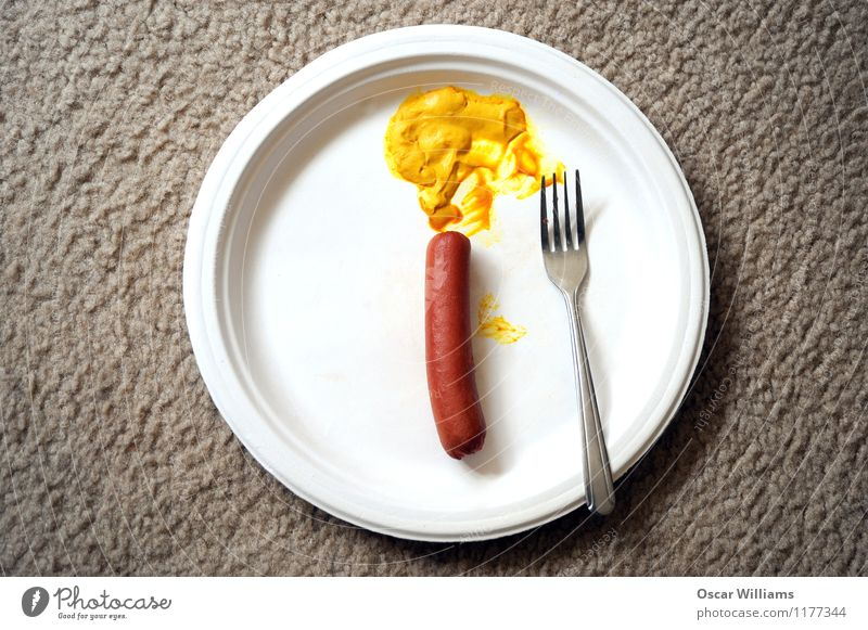Hot Dog und Senf. Essen Lebensmittel Raum Teller Fleisch Mittagessen Wurstwaren Fastfood