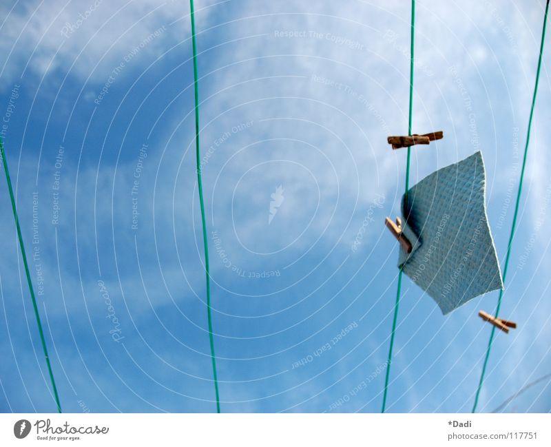 Winterhimmel alt Himmel weiß grün blau Wolken kalt Arbeit & Erwerbstätigkeit Bewegung Holz Linie braun Feld dreckig klein Wind