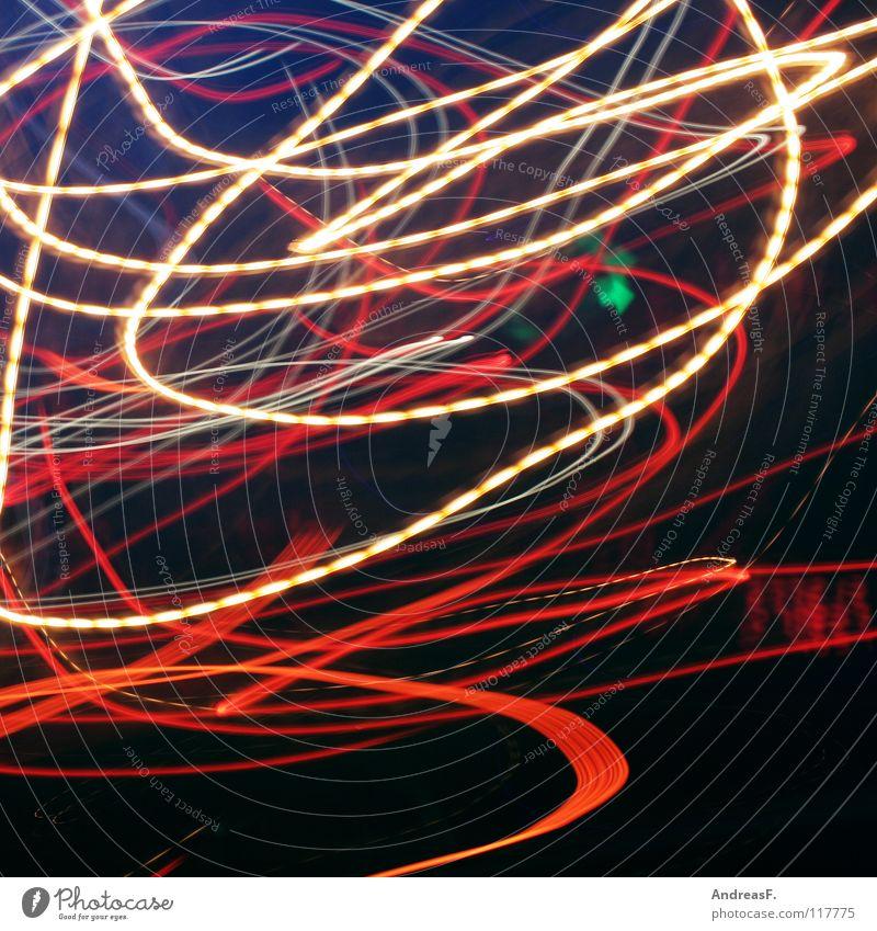 grüner pfeil im chaos chaotisch Licht Verkehr Straßenverkehr Ampel abbiegen Leuchtspur Alkoholisiert Autofahren Rauschmittel Ausweg Schwung schwingen