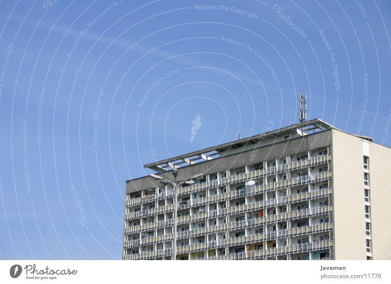 pLatte Gebäude Architektur Platz Dresden Plattenbau Neubau