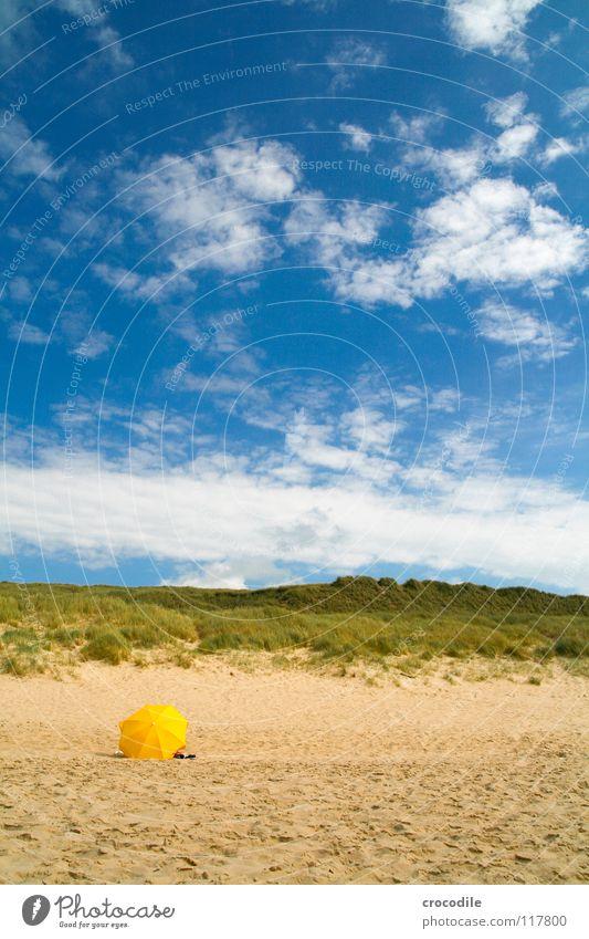 wann wird's wieder sommer?? Sylt Sommer gelb Strand Wolken Gras Regenschirm Meer Ferien & Urlaub & Reisen Sonne Sand Himmel blau Stranddüne Wetterschutz Nordsee