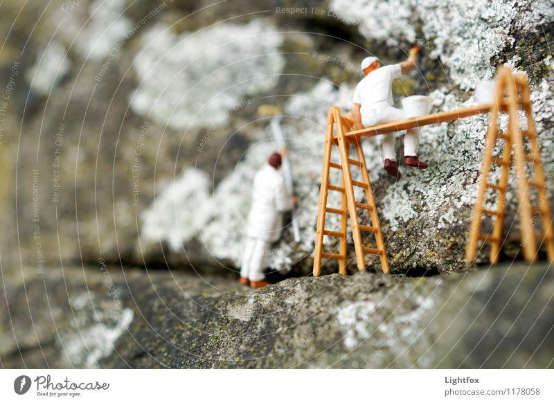 Op em Bau Mensch Erwachsene Senior Arbeit & Erwerbstätigkeit maskulin Aktion stehen sitzen 60 und älter 45-60 Jahre streichen Handwerk Leiter Werkzeug