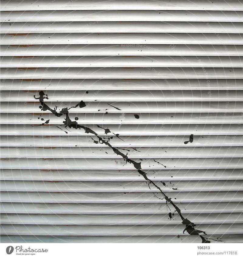 DISTORTION STYLE schön schwarz Graffiti Linie dreckig diagonal obskur Fleck Unfall graphisch spritzen hässlich sehr wenige Wandmalereien Vandalismus Rollo
