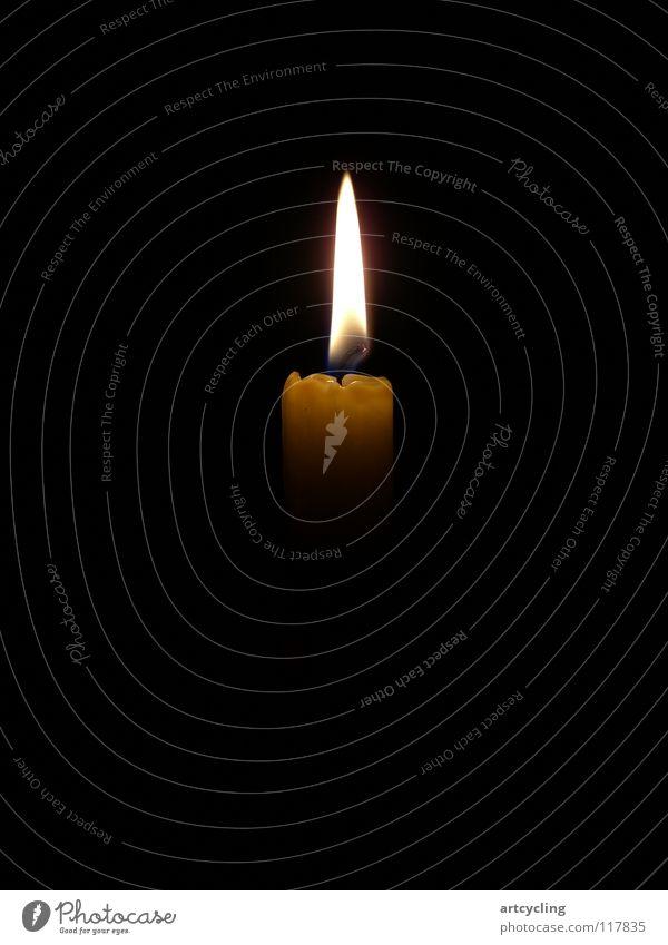 Kerze Licht Romantik Nacht schwarz Wachs Dekoration & Verzierung Wohnzimmer Schatten hell Brand Kerzendocht Flamme