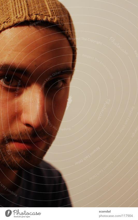selfhut Mann Jugendliche Auge Mund braun Haut maskulin Nase Bart Hut Selbstportrait Kapuze Kerl ernst Porträt verwegen