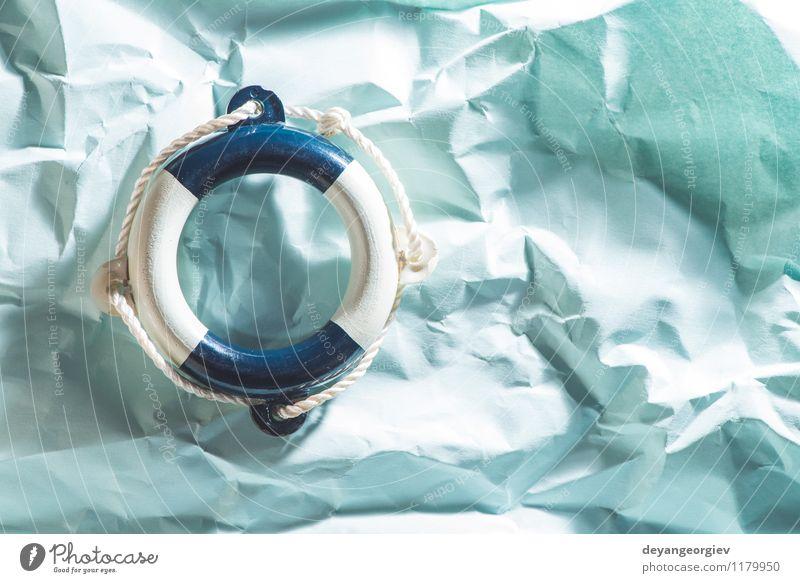 Rettungsring auf blauem Papier Leben Ferien & Urlaub & Reisen Sommer Strand Meer Schwimmbad Seil rot weiß Sicherheit Schutz Hintergrund Boje Überleben