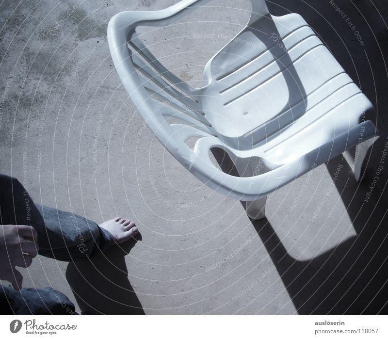 Platz gefangen... gehen Hocker weiß Möbel Stuhl Sitzgelegenheit laufen Krallen Detailaufnahme