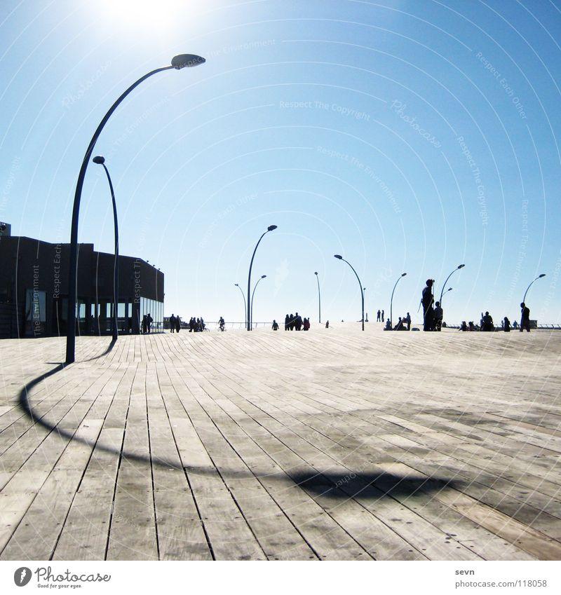 Promenade Tel Aviv Israel Holz Licht Lampe Laterne Mittag modern Hafen Asien Sonne Harbour Schatten Shaddow