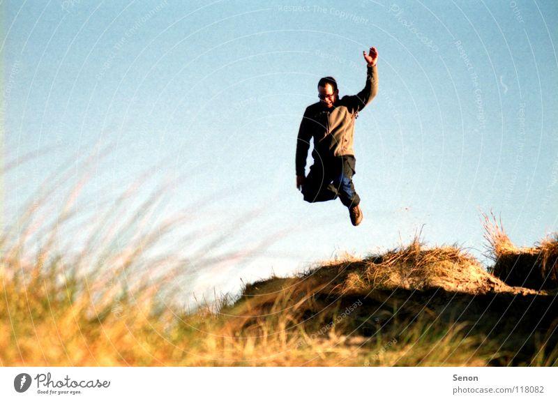 SandKasten II springen Spielen Küste Strand Bewegung Freude