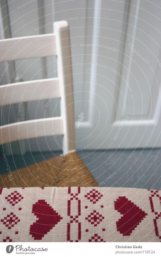 Frühstück mit Herz weiß rot Fenster Holz braun Tür Ernährung Tisch Küche Stuhl Möbel Tischwäsche Besucher Stuhllehne