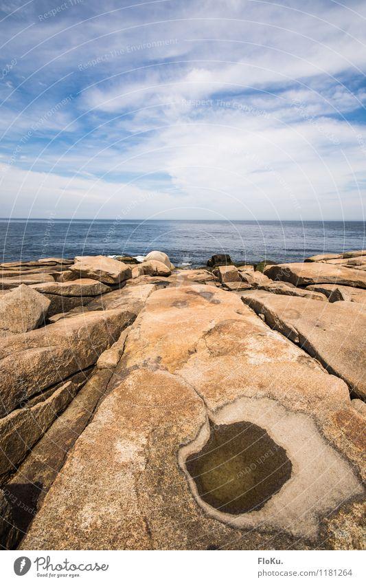 Felsige Küste Ferien & Urlaub & Reisen Ausflug Ferne Freiheit Sommerurlaub Meer Umwelt Natur Landschaft Urelemente Erde Luft Wasser Himmel Wolken Horizont