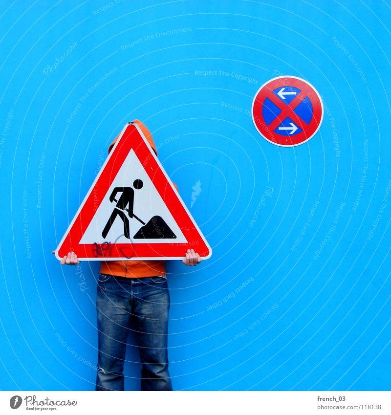 Schilderbaustelle Mensch Mann blau Hand weiß schön rot Farbe Wand Mauer orange Deutschland Arbeit & Erwerbstätigkeit Arme Schilder & Markierungen maskulin