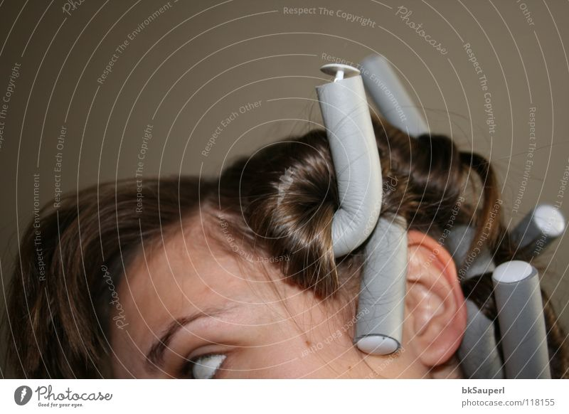 lockentraum Mensch Frau weiß schön Freude Erwachsene Gesicht Erholung Auge grau Kopf Haare & Frisuren lustig träumen braun warten