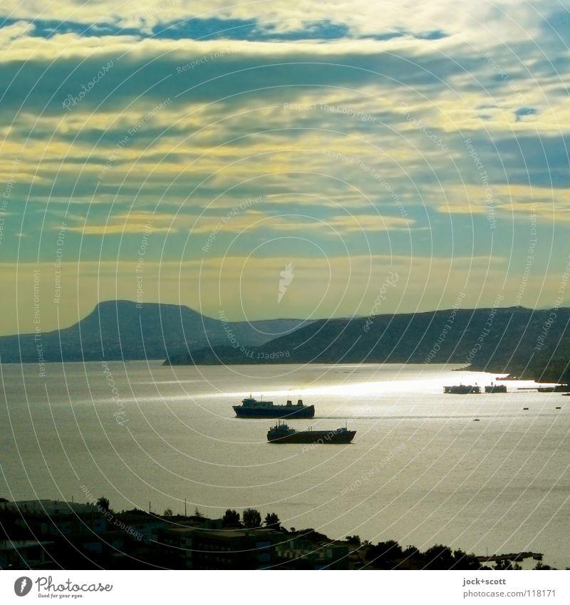 Golf von Chania Freiheit Sommer Wolken Klimawandel Wärme Küste Meer Mittelmeer Verkehrswege Containerschiff Ferne maritim Vorfreude Geborgenheit Romantik