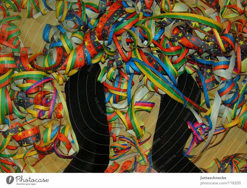 Happy feet grün blau rot Freude schwarz gelb Farbe Party Fuß Feste & Feiern Bodenbelag Karneval Club durcheinander Girlande