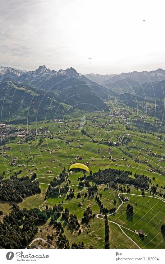 Soaring am Hornberg 7 Lifestyle Zufriedenheit Erholung ruhig Freizeit & Hobby Freiheit Sommer Berge u. Gebirge Sport Gleitschirmfliegen Sportstätten Natur